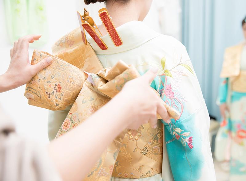 成人式前撮り撮影の着付けイメージ