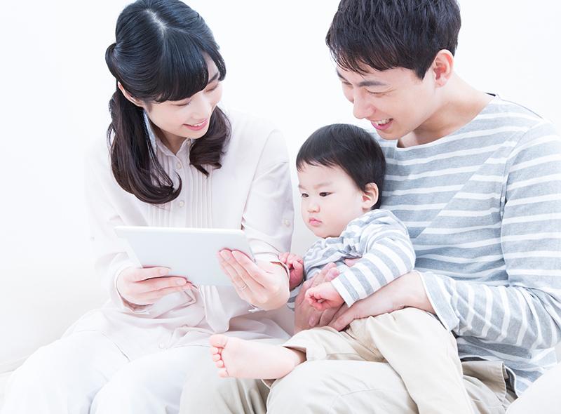 自然な家族写真のイメージ