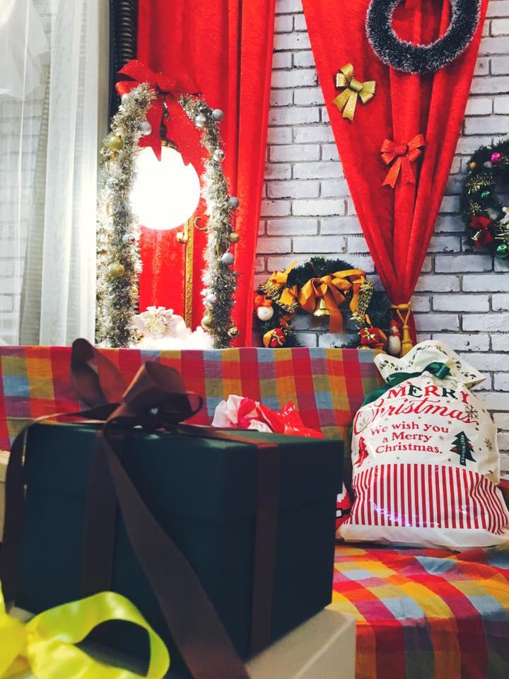 パトリック大阪のクリスマス衣装の内観